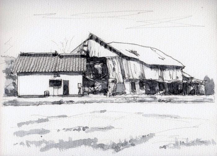 廃屋の牛舎 モノクロ (700x504)