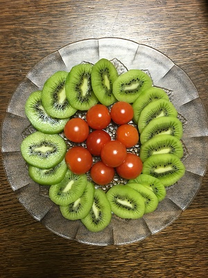 キウイとミニトマト