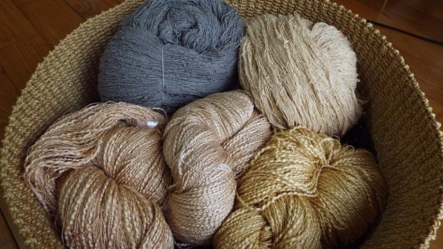 枇杷染め糸