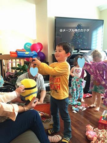 I Lucas gets gun2