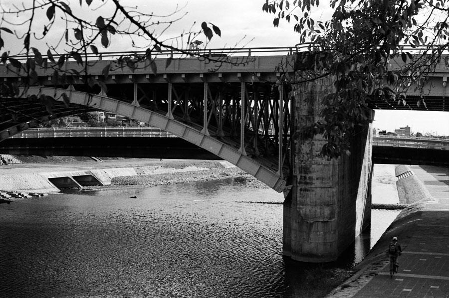 東山陸橋01