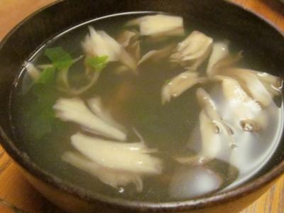 ハナダイのスープ3