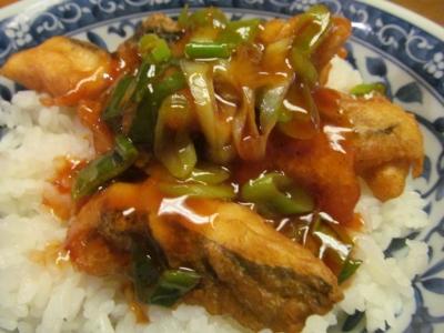 メダイの唐揚げ丼甘酢ソース2