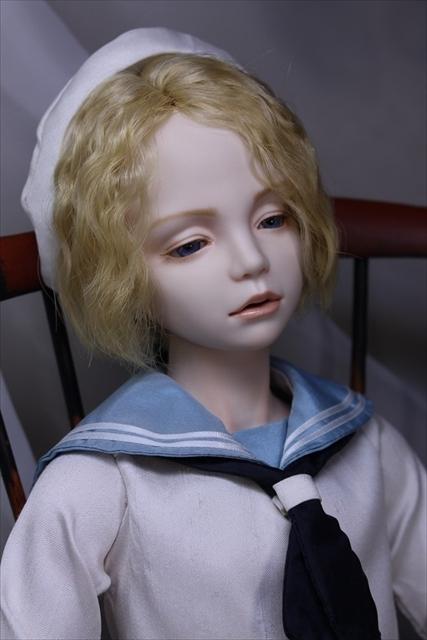蒼い瞳の少年(セーラー服) 美少年人形が作りたい1