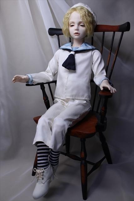 蒼い瞳の少年(セーラー服) 美少年ドールが作りたい1