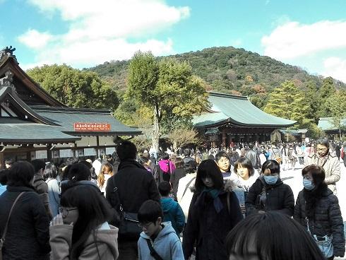 8 外拝殿と畝傍山