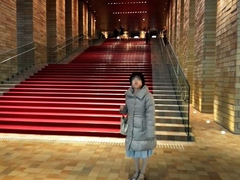 1 フェスティバルホール・エントランスホールの階段