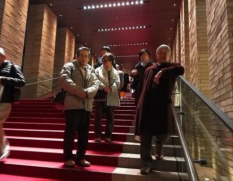 15 エントランスの階段