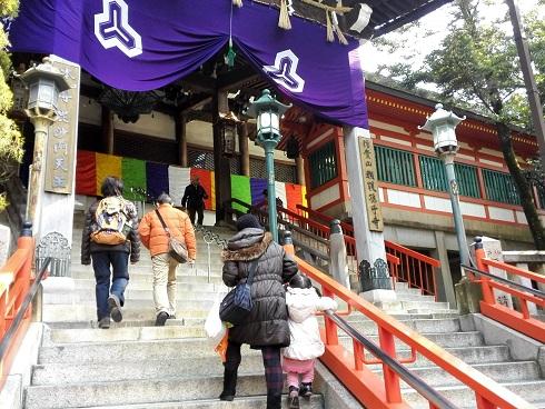 5 信貴山本堂