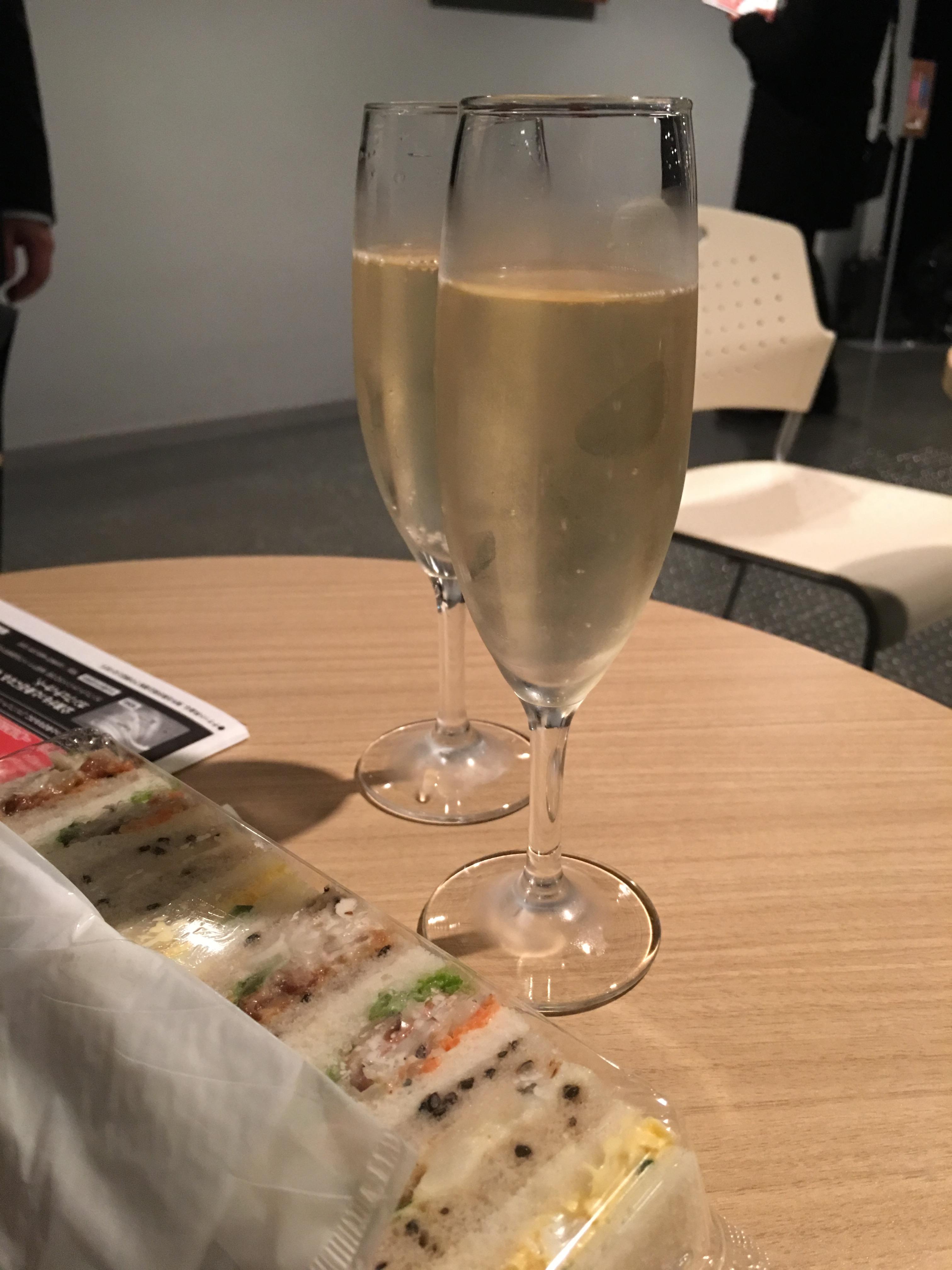 開演前のシャンパン