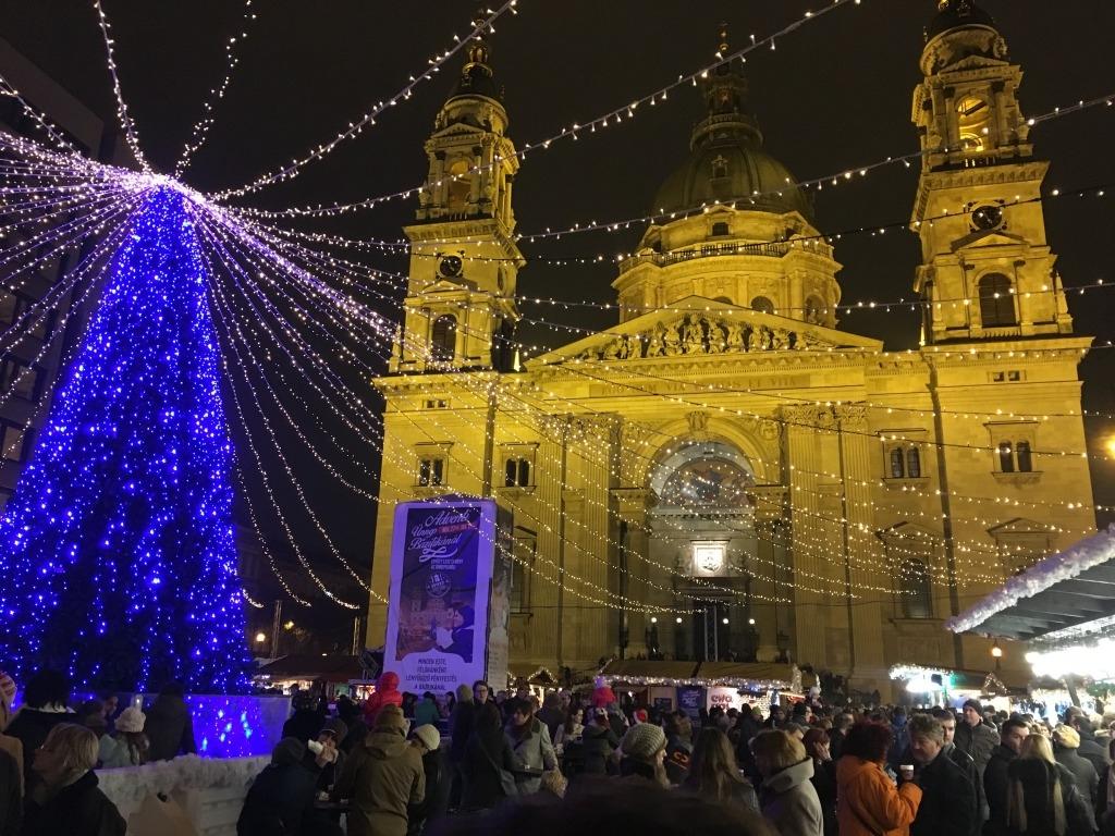 聖イシュトバン大聖堂夜