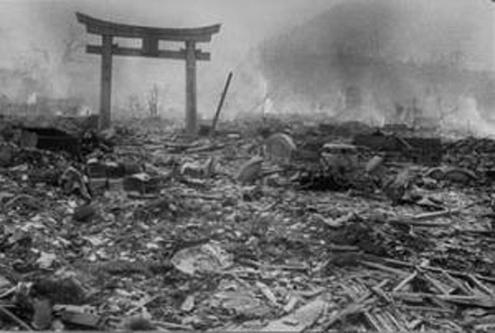 原爆投下後の長崎
