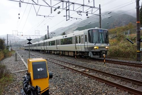 4電車 (1200x800)