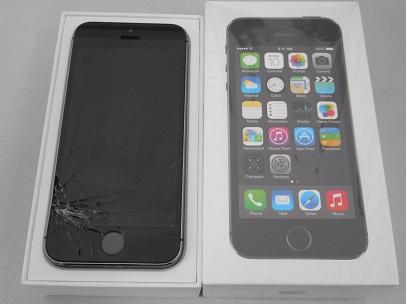 iphone5S割れ