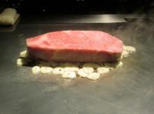 りさーちゃーのたまご-肉-焼いてる