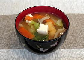 中日新聞「味噌汁にケチャップを入れるとヘルシーになります。カゴメじゃないとダメです」