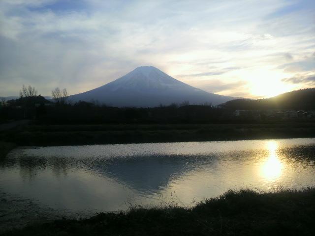 富士山夕暮れ(農村公園にて)