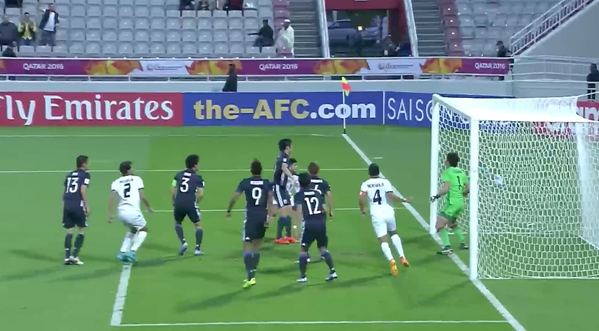 A well placed @IRAQFA corner creates havoc in the box and Najiq is there to finish it