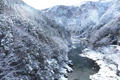 雪景色の保津峡