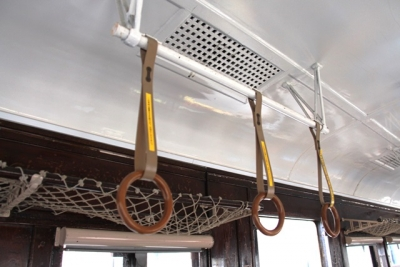 九州鉄道記念館キハ07 41 吊り革と網棚