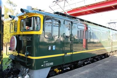 塗装変更後のEF65-1124トワイライトエクスプレス