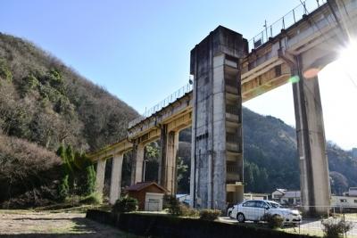 宇都井駅階段棟と高架橋