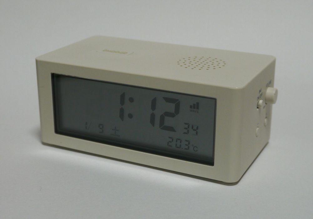 目覚まし時計 A1