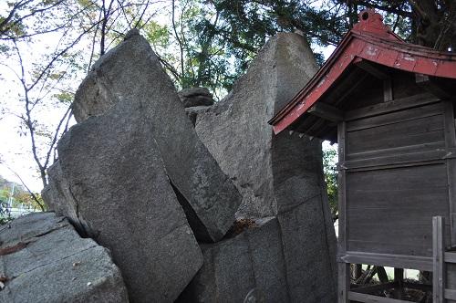 藤加羅立ち石2