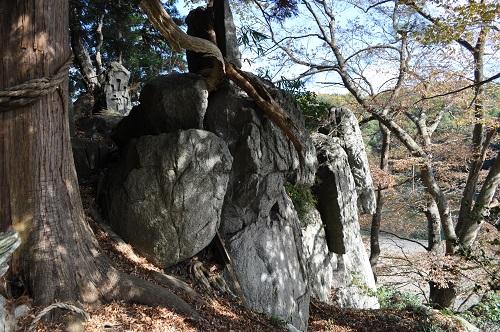 御神楽石4