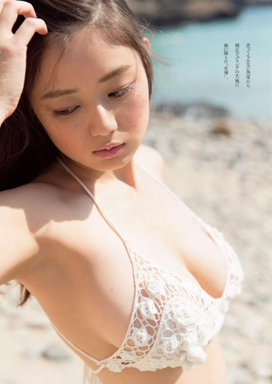 片山萌美 垂れ乳Gカップ爆乳の水着グラビアがセクシーすぎる 画像24枚 11