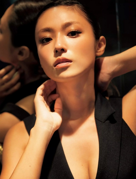 深田恭子 極小ビキニでお尻の割れ目を披露した未掲載グラビア 画像31枚 31