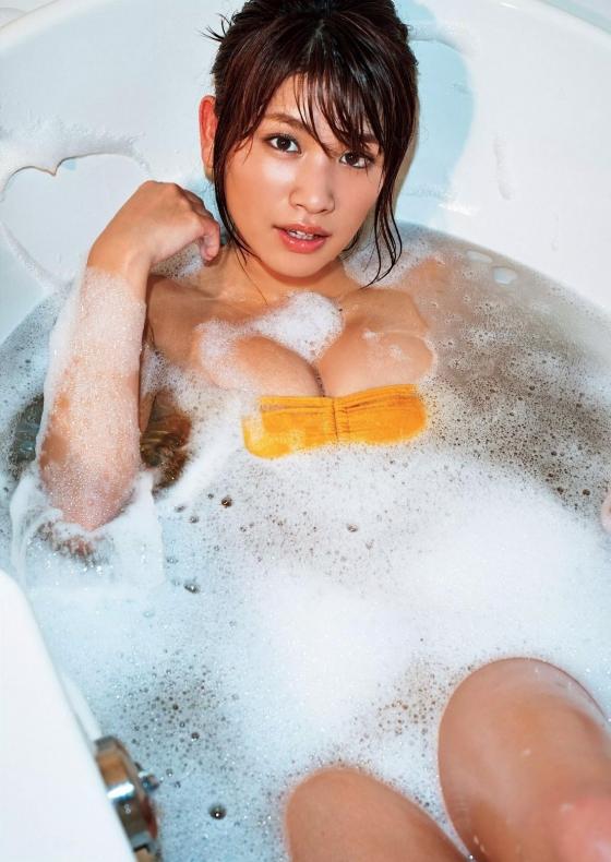 久松郁実 手ブラよりセクシーな週プレFカップ水着グラビア 画像26枚 1