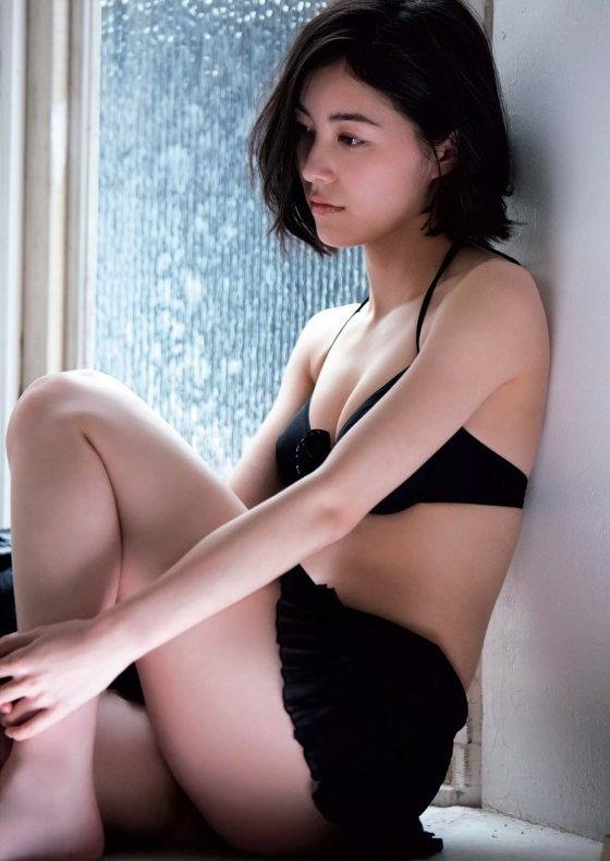 松井珠理奈 写真集で披露した水着姿の太ももが悩ましい 画像31枚 29