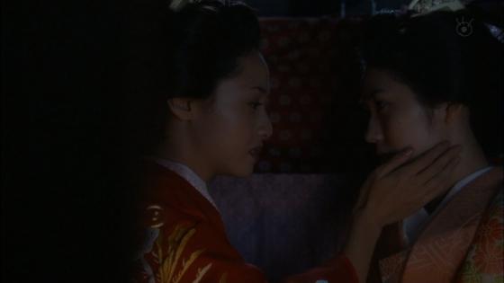 沢尻エリカ 大奥の渡辺麻友との百合やレズキスシーンキャプ 画像26枚 25
