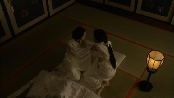 沢尻エリカ 大奥の渡辺麻友との百合やレズキスシーンキャプ 画像26枚 7