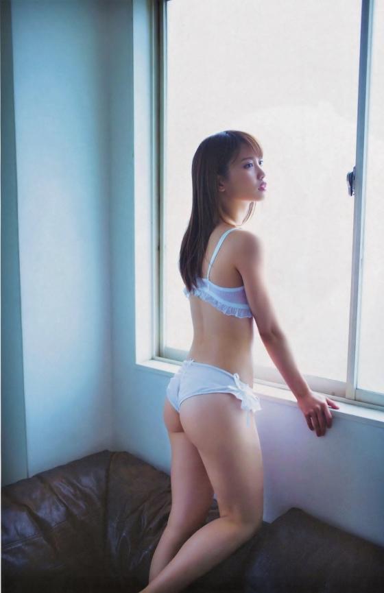 永尾まりや ヤンマガ最新下着グラビアのCカップ谷間と股間 画像36枚 17