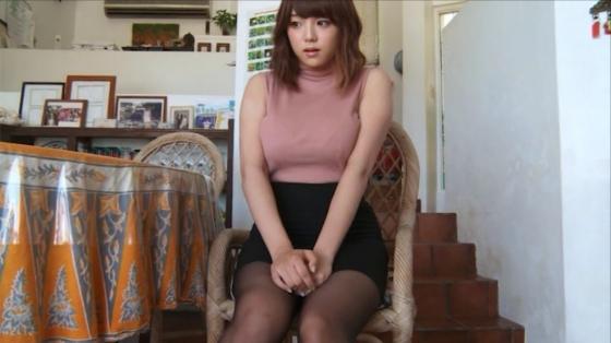篠崎愛 HOLIDAYの水着Gカップとニット着衣巨乳キャプ 画像36枚 18