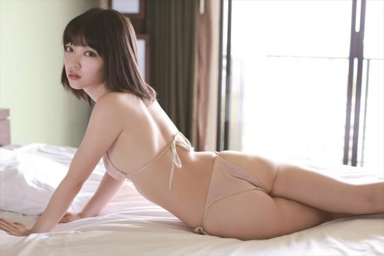 安藤遥 ノーブラFカップ巨乳と色白な肌がセクシーなグラビア 画像30枚 18