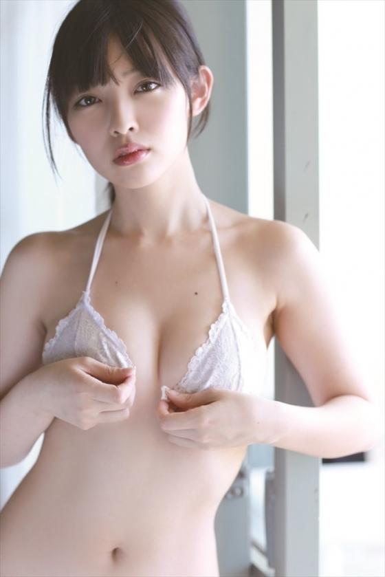 安藤遥 ノーブラFカップ巨乳と色白な肌がセクシーなグラビア 画像30枚 5