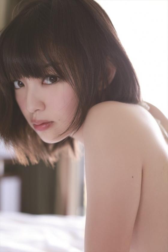 安藤遥 ノーブラFカップ巨乳と色白な肌がセクシーなグラビア 画像30枚 8