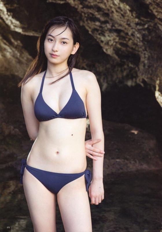 植村あかり ヤングジャンプ&ガンガンの最新Dカップ水着グラビア 画像26枚 25