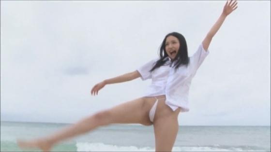 宇佐美りお POP TUNEのマイクロビキニが食い込むお尻や股間キャプ 画像47枚 4