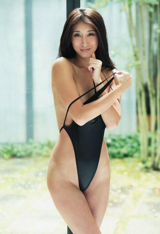 佐藤衣里子 スピリッツのお尻の割れ目披露セミヌードグラビア 画像25枚 3
