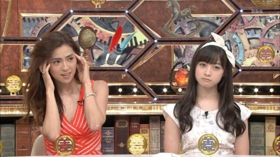 橋本環奈 女の子座りで内股美脚を披露したテレビ番組キャプ 画像29枚 26