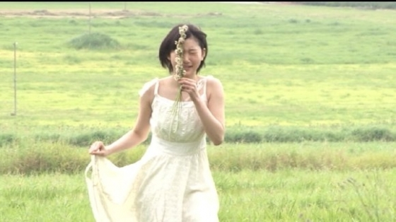 宮本佳林 水着乳首ポチ疑惑の写真集メイキングDVDキャプ 画像30枚 4