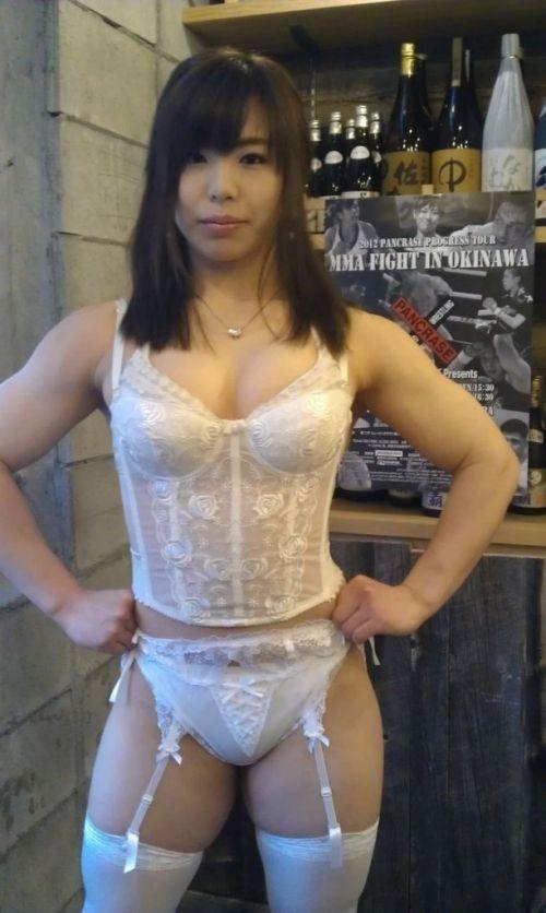 中井りん やらかす格闘家が全裸でGカップと筋肉を披露 画像16枚 15