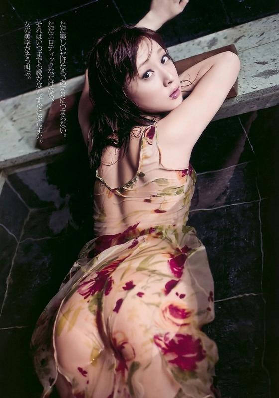 池田夏希 セミヌードでお尻の割れ目やFカップ巨乳を手ブラ披露 画像31枚 29