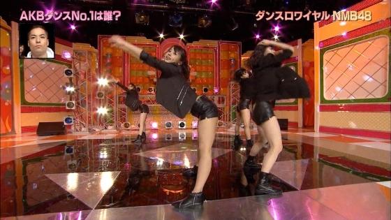 藤田奈那 股間のパンチラと美脚を披露したAKBINGO!キャプ 画像29枚 25