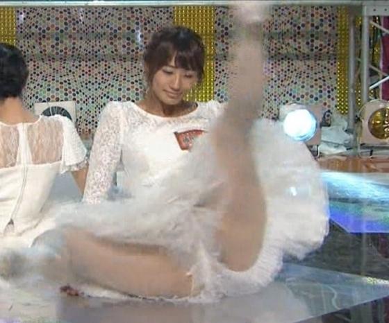 藤田奈那 股間のパンチラと美脚を披露したAKBINGO!キャプ 画像29枚 5