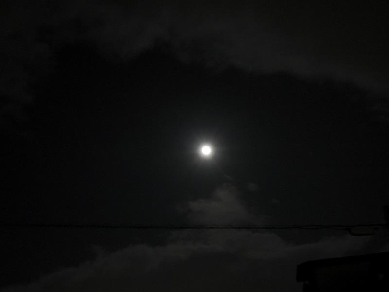 クリスマスの夜 満月